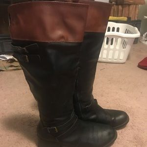 Knee high size 10 black boots